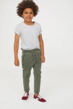 8fc13e0a4 小学生の男の子向け、シンプルでかっこいい子供服ブランドは?自宅用に安く!プレゼントにもオシャレ!